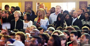 Mourners pack themselves into the St. Benedict Catholic Church in Oakland for the funeral of Oakland Post editor Chauncey Bailey  Aug. 8, 2007 (D. Ross Cameron/The Oakland Tribune)