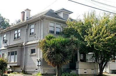 According to county property records on Oct. 26, 2007, this property located at 541 Merrimac Street in Oakland, Calif., belongs to Daulet Bey. (Karna Kurata, Oakland Tribune)