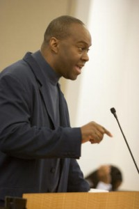 Nedir Bey speaks to the BART Board of Directors Thursday, Oct. 22, in Oakland. (D. Ross Cameron/Staff)